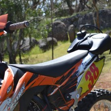Made for the current KTM exc models with combined guard & side-covers.  Also fits - WR250R and BMW G450X